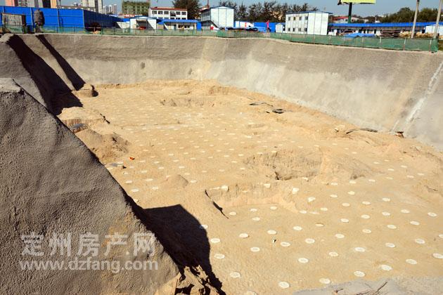 0月13日东方阳光尚都施工进度实拍 近日9 12 四楼体将开槽施工